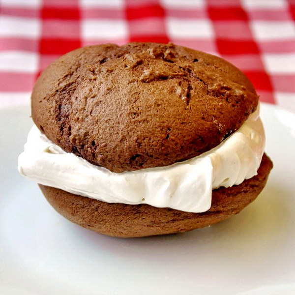 Chocolate Marshmallow Whoopie Pies - a kid favorite for lunchboxes and birthday parties.