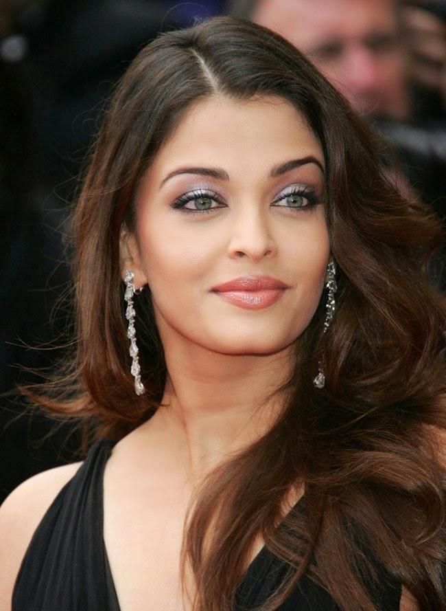 Aishwarya Rai Bachchan at 58th Cannes film festival in 2005