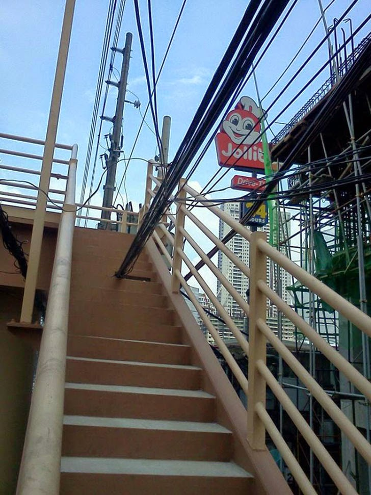 Electric Cables Cross Foootbridge Stairs Dampa Libis