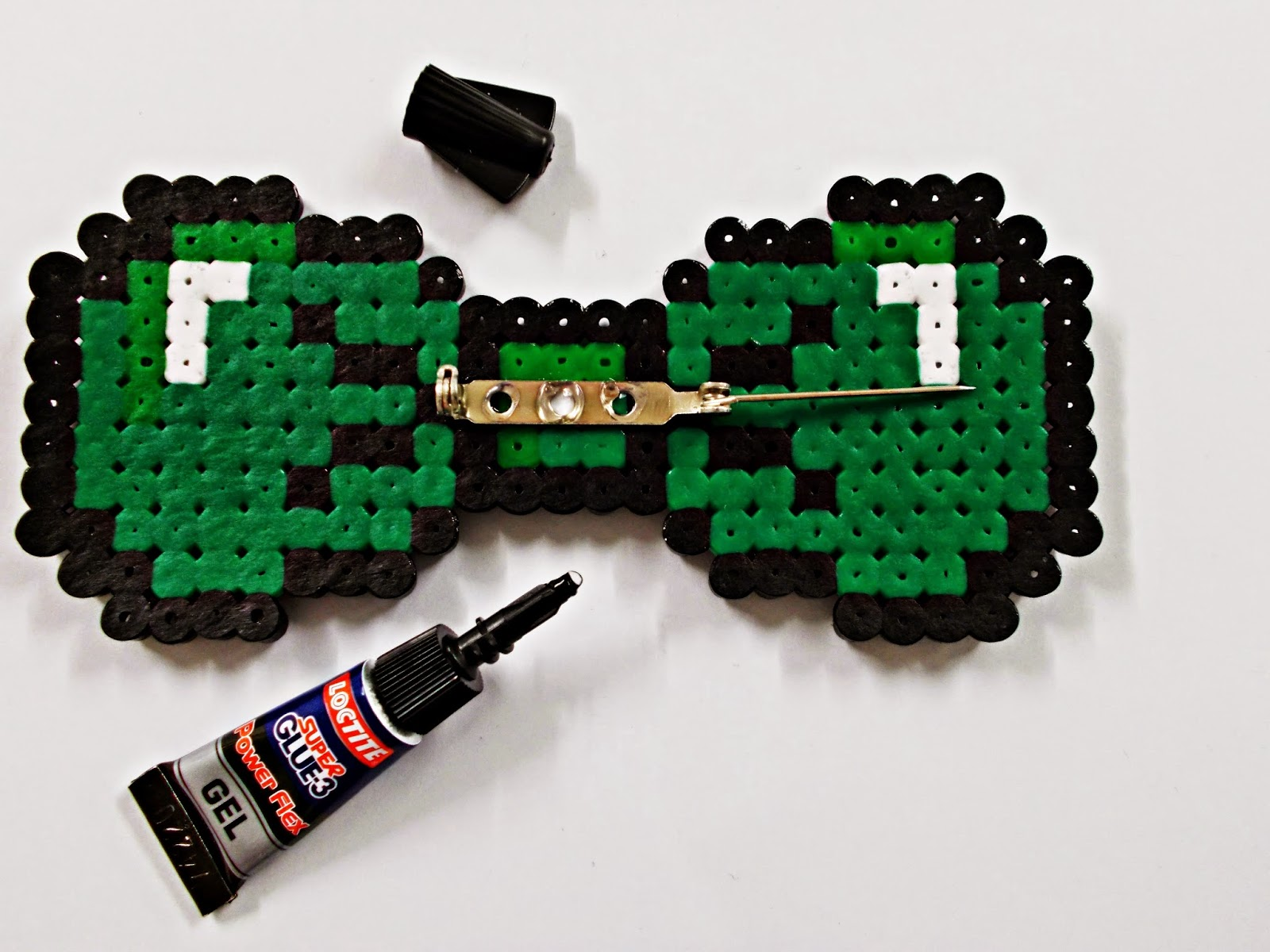 DIY-pajarita-tie bow-hama beads- DoItYourself-idea-moda-broche-5