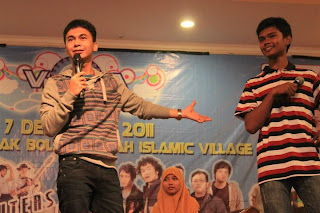 Stand up Comedy Raditya Dika di Visualista2011