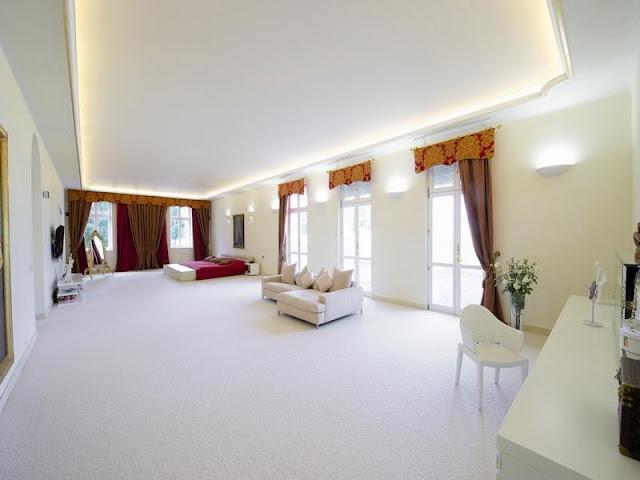 Mansiones y casas de lujo for Atrio dentro casa