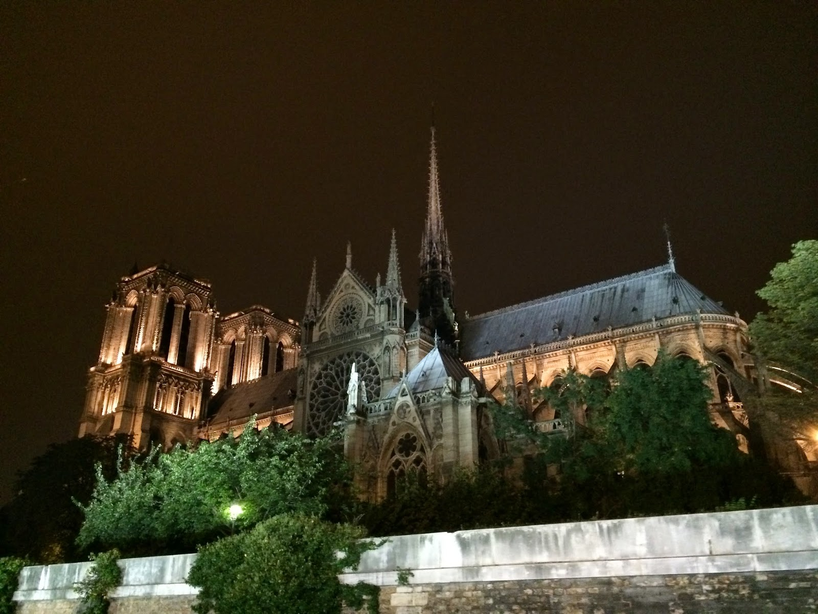 VipandSmart Notre Dame noche