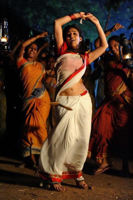 nayanthara in saree spicy latest photos