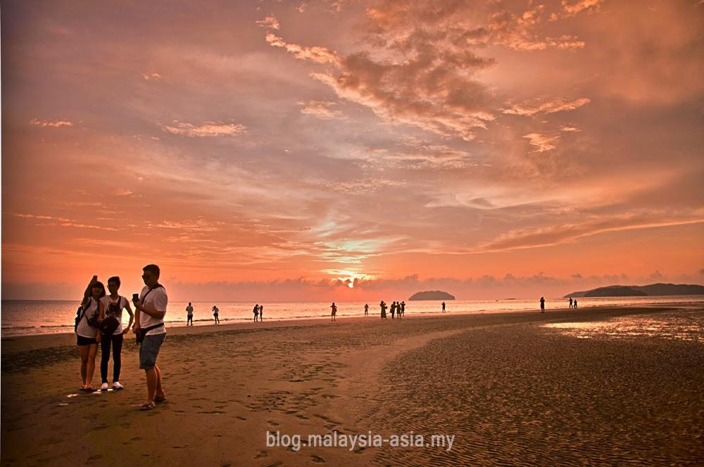 Tanjung Aru Beach, Kota Kinabalu Sabah