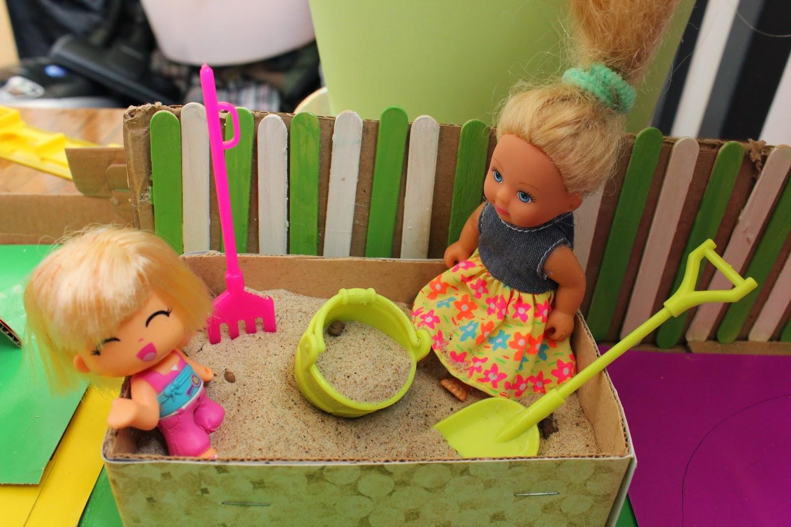 кукольная детская игровая площадка