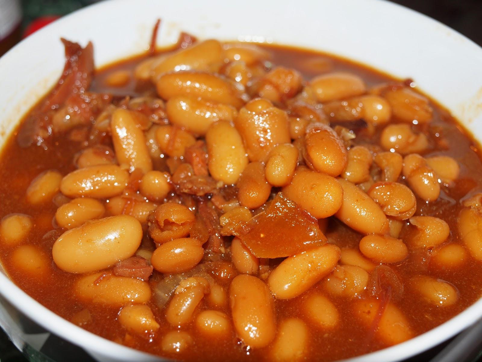 Jen's Place: Slow Cooker Boston Baked beans