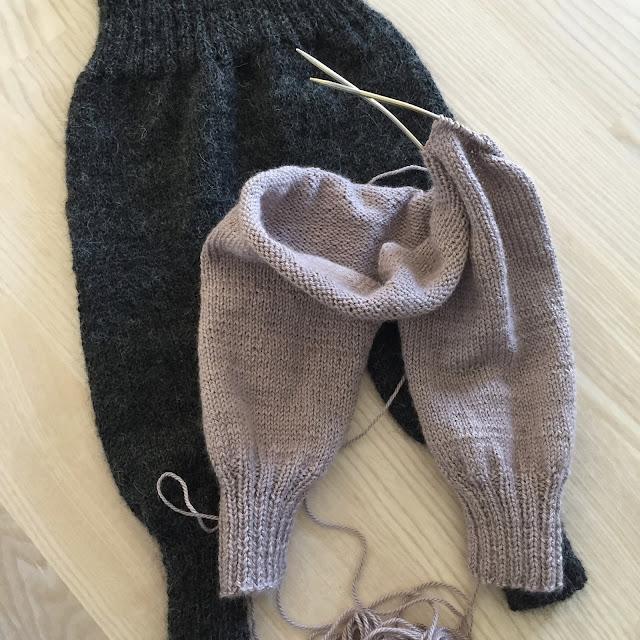 strikket babybukser opskrift