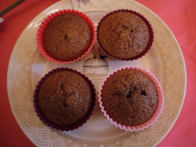 magdalenas de cacao y chocolate blanco alba hogar