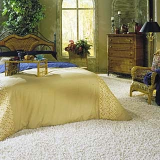 bedroom decorating ideas with luxury carpet