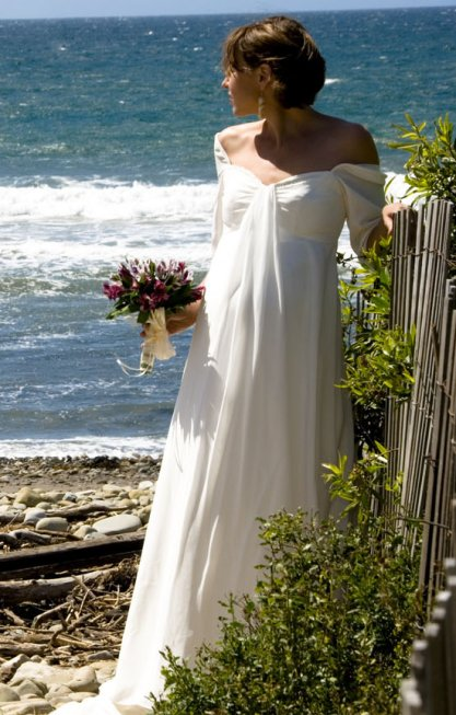 Wedding dresses for pregnant rental 2