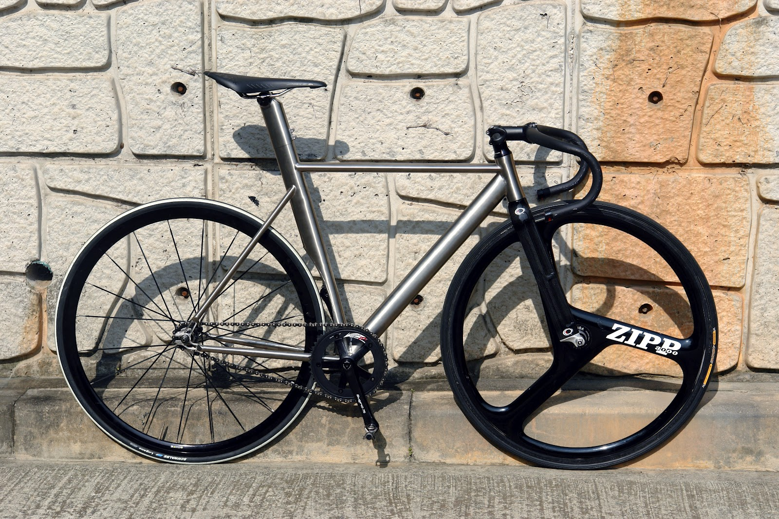 nico\'s flying bikes: Titanium track !!