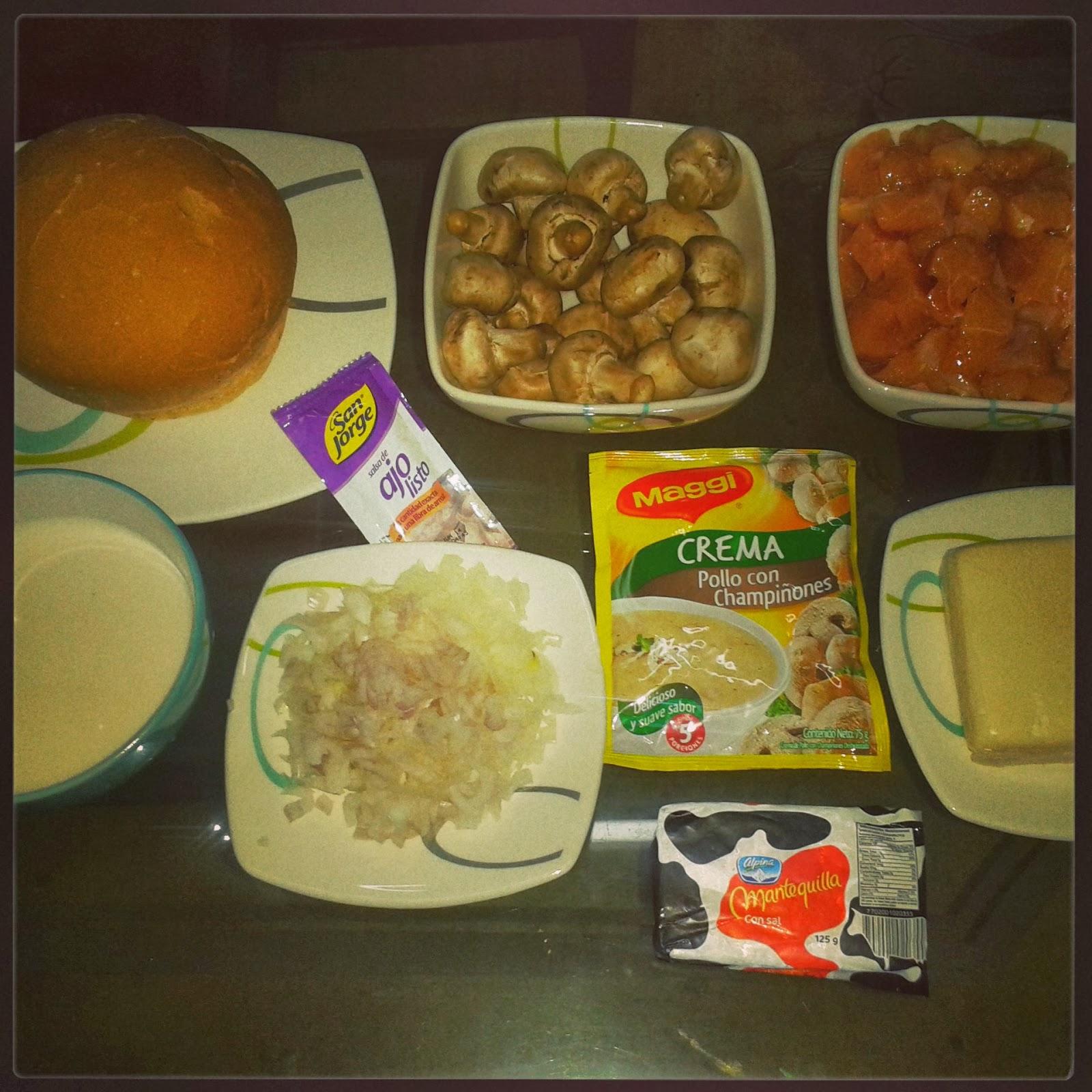 Cena rom ntica pan cook de pollo con champignones vino y for Cena romantica que cocinar