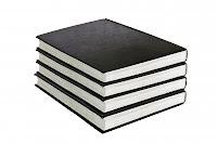 Pila de libros negros