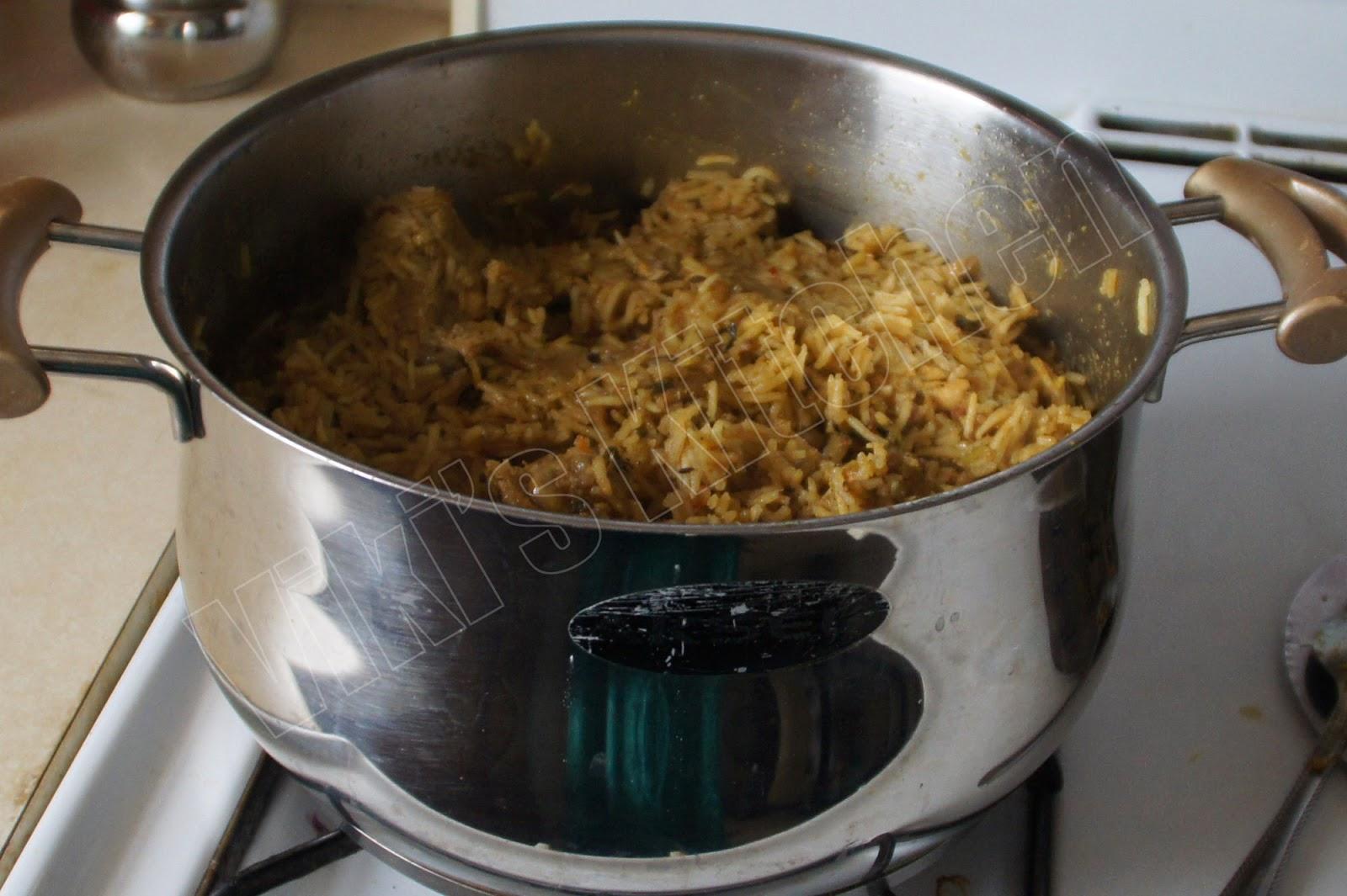 Viki s kitchen tamilnadu muslims wedding special biriyani briyani after dum cooking forumfinder Image collections