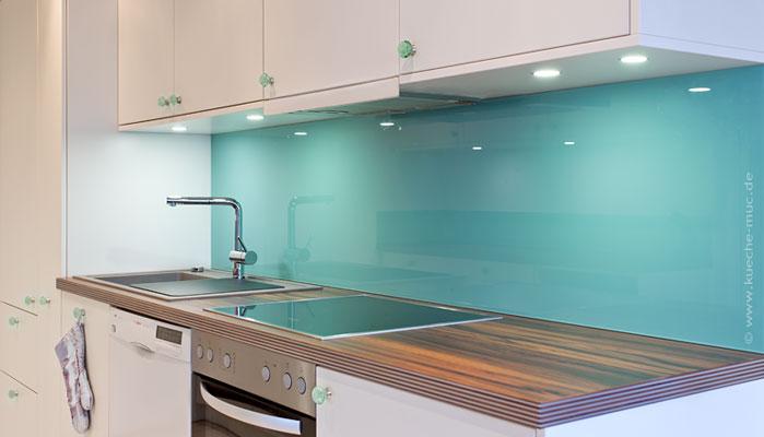 Trendfarben Küche, Trendfarbe Türkis, Trendfarbe Grün, Trendfarbe  Smaragdgrün, Farbe Küche Lebendig,