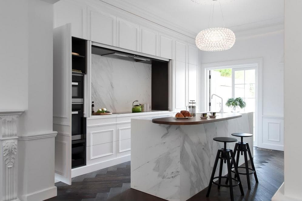 Traditional Kitchens White Cabinets