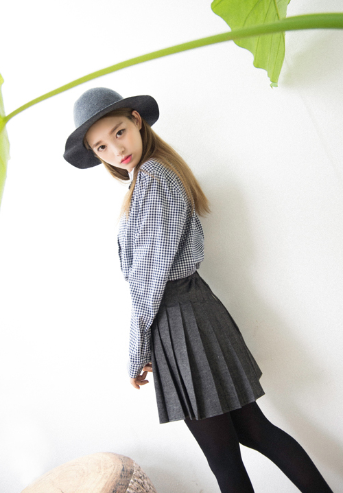 Hide and Seek Gingham Check Contrast Collar Shirt