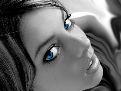 top Women Blu eyes