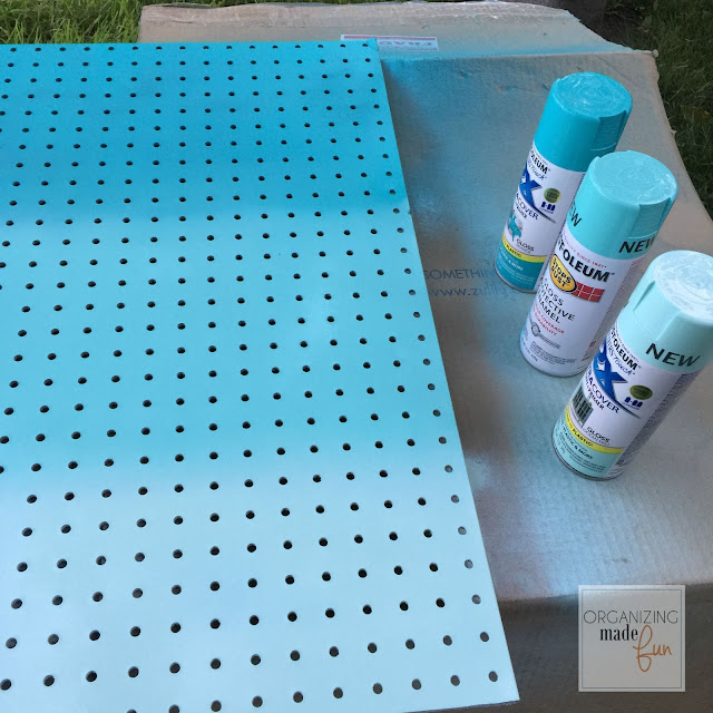 To get ombré effect, simply use three shades of varying spray paint :: OrganizingMadeFun.com
