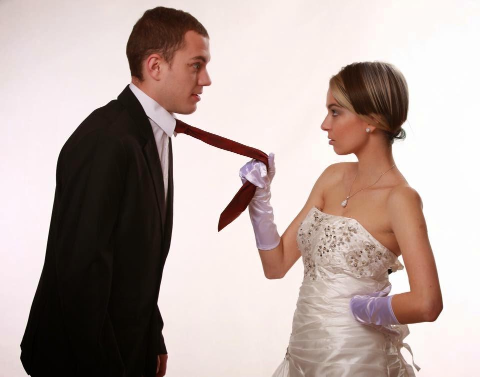 Esküvőre készülő fiatalok