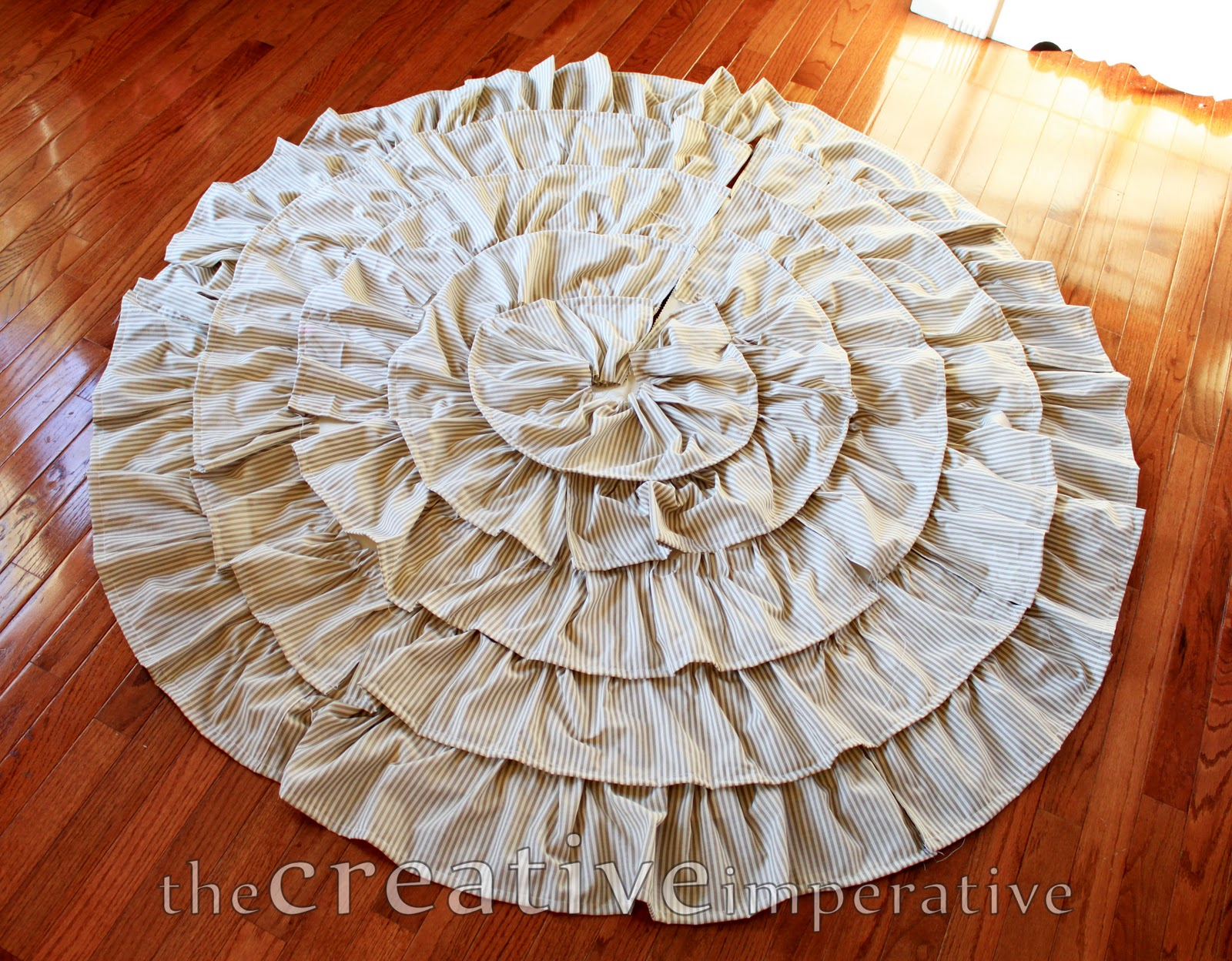 The Creative Imperative: Stripey Ruffle Christmas Tree Skirt
