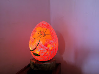 Lampu Meja Fiber Glass (Tema Telor)