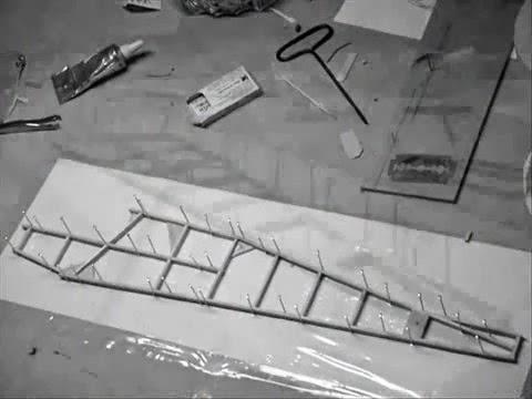 Video Cara Membuat Pesawat Tenaga Karet (Skala)