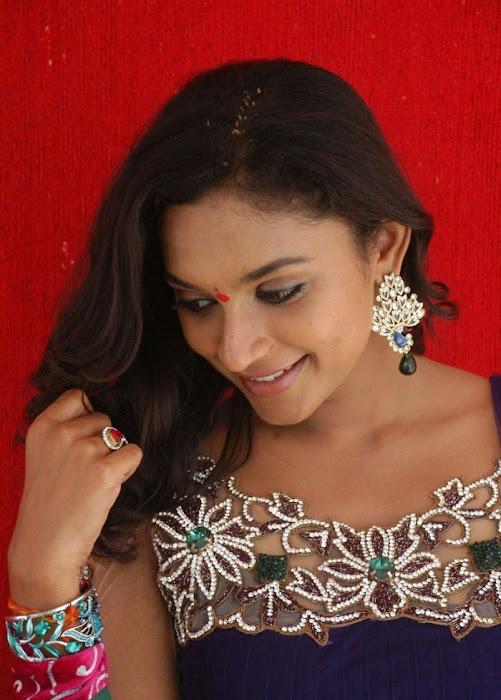 akshaya glamour  images