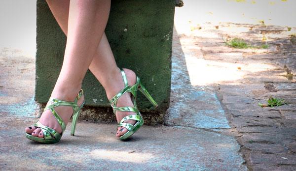 Sandália verde metalizada Wirth