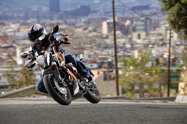 KTM 390 Duke,