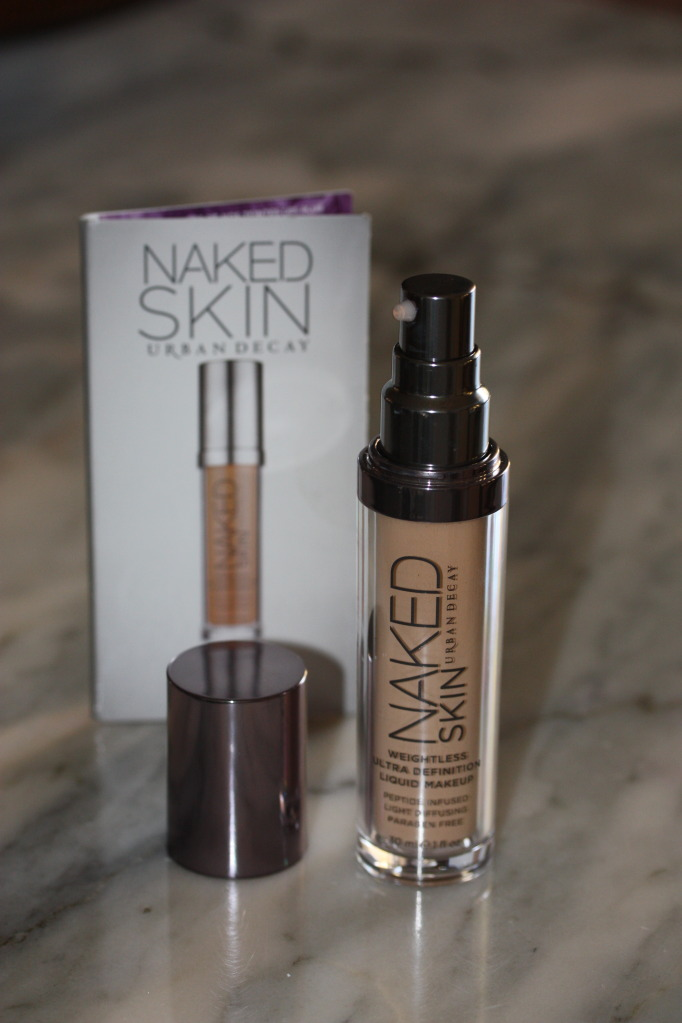 Stay Naked Weightless Liquid Foundation 10 WY Ultra Fair
