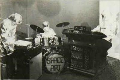 Space Art durante una actuación en televisión en 1978