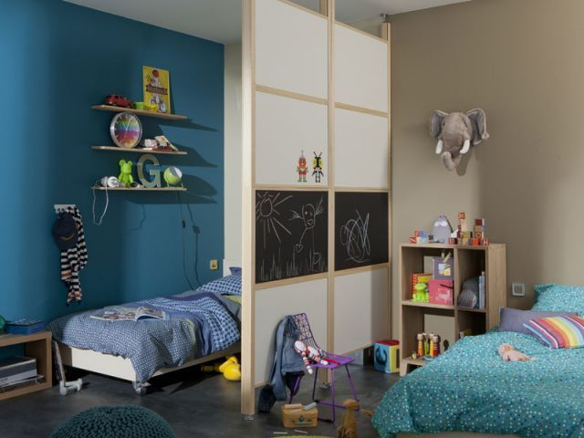 la fabrique d co une chambre pour plusieurs enfants astuces pour am nager l 39 espace. Black Bedroom Furniture Sets. Home Design Ideas