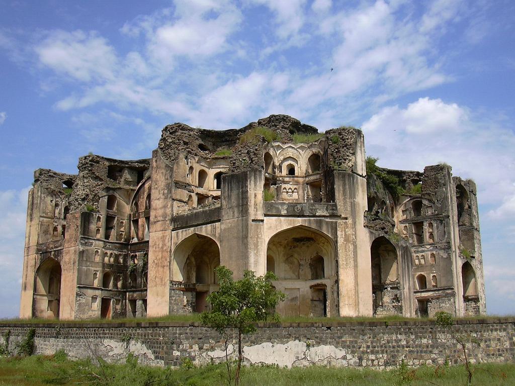 Ahmednagar India  City pictures : Farah Baug Mahal, Ahmednagar, Maharashtra ~ Popular Temples of India