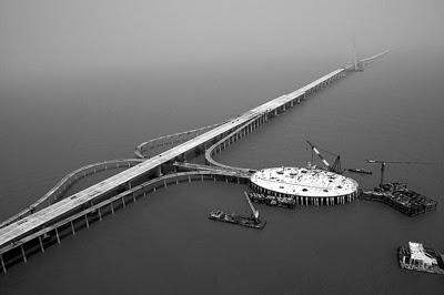 World's_Longest_cross_sea_Hangzhou_Bay_Bridge_in_China