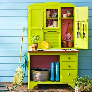 painting outdoor furniture bright colors