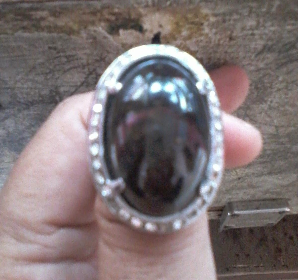 merawat batu cincin ukuran jumbo