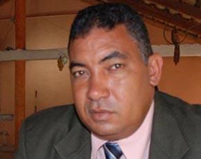 """Antonio Infante forma """"Movimiento El Poly con Papá"""""""