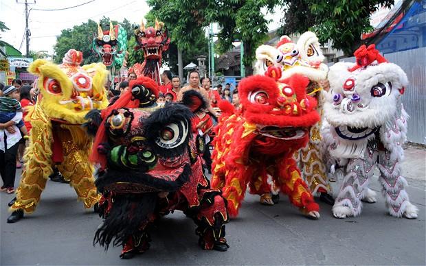 dragon dance - Chinese New Year Dragon Dance