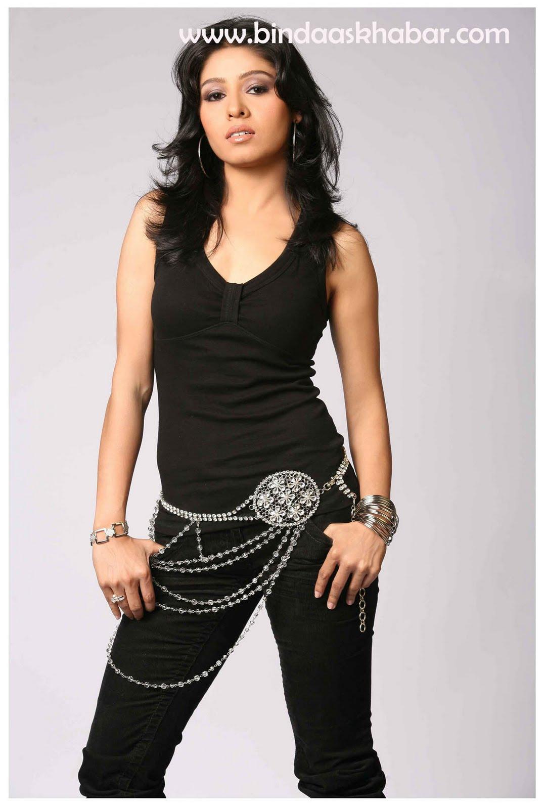 Zoya Nidhi Bindaas_snaps: Sunidhi...