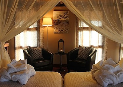 http://www.namibiareservations.com/hoodia_lodge.html
