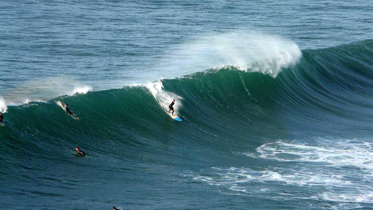 surf olas grandes menakoz 09