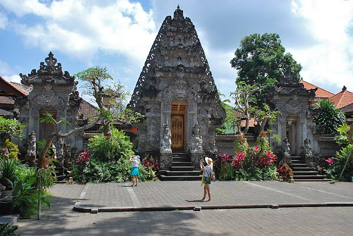 Entrada a un templo