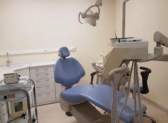 Ενοικιάζεται ή Πωλείται πλήρες  Οδοντιατρείο στο Καρπερό Γρεβενών