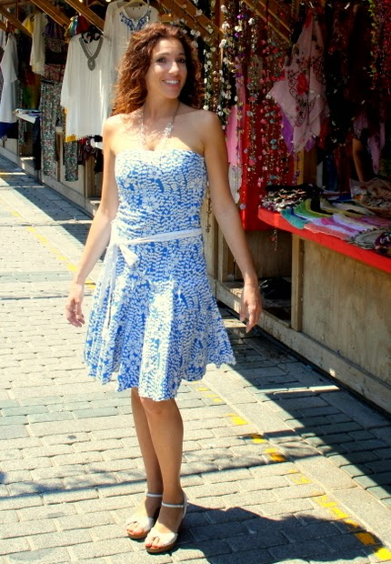 vestido escote corazon azul