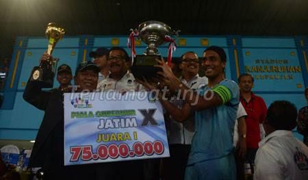 Persela Juara Piala Gubernur Jatim 2012