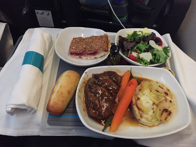 Food and airplanes air canada 882 yyz cph - Stickers rouge cuisine ...