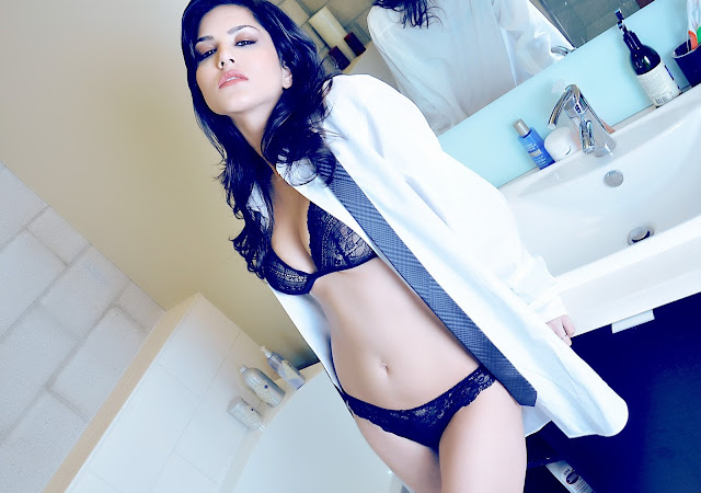 sunny leone smell of sex bathroom hot shoot