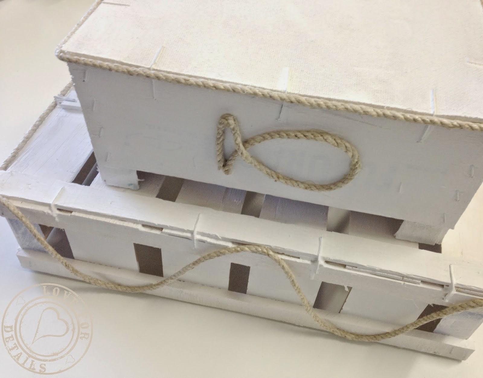 cassette in legno dipinte